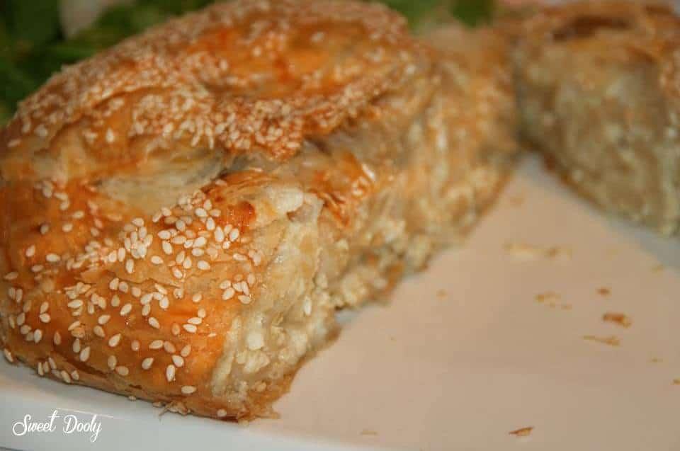 מאפה חצילים עם גבינה מלוחה - פסטל קון מרנג'נה