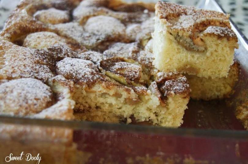 עוגת תפוחים עם סוכר חום וקינמון