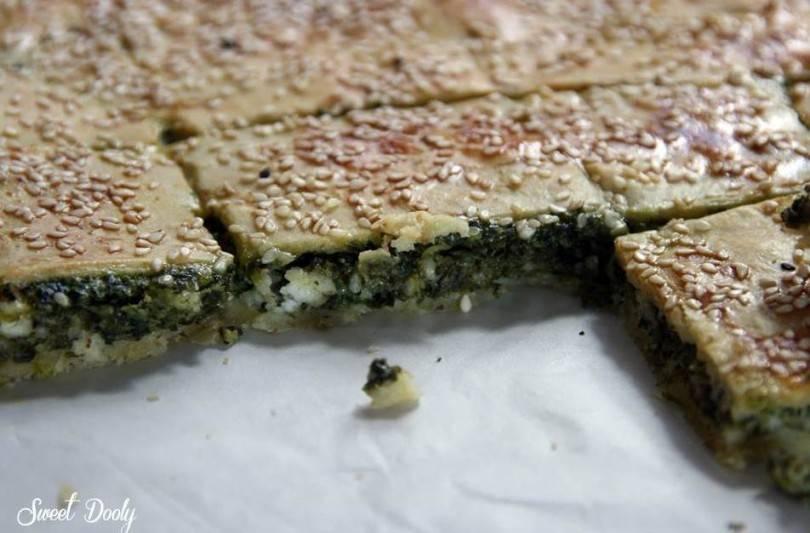 מאפה תרד מבצק פריך עם גבינה בולגרית