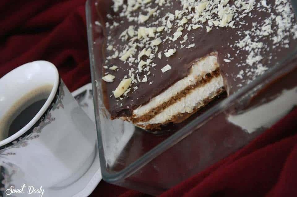 עוגת ביסקוויטים עם קצפת - עוגת ארבע בבוקר