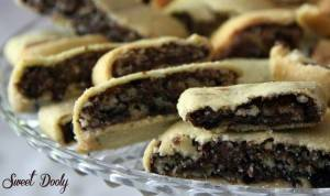 עוגיות מבצק פריך ושוקולד מושחתות במיוחד