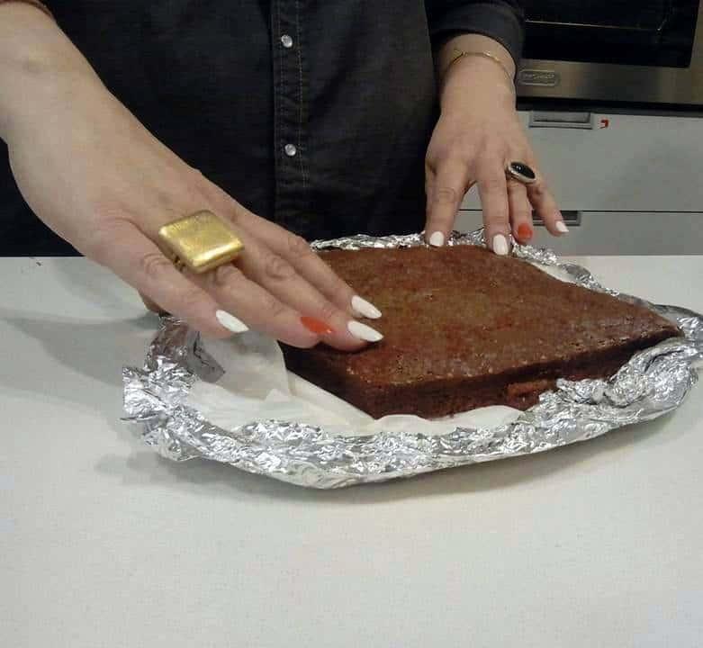 עוגת מוס שוקולד וקפה על בסיס קראנצ'י