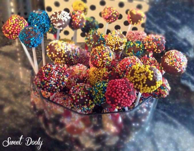 כדורי שוקולד שמכינים עם ילדים
