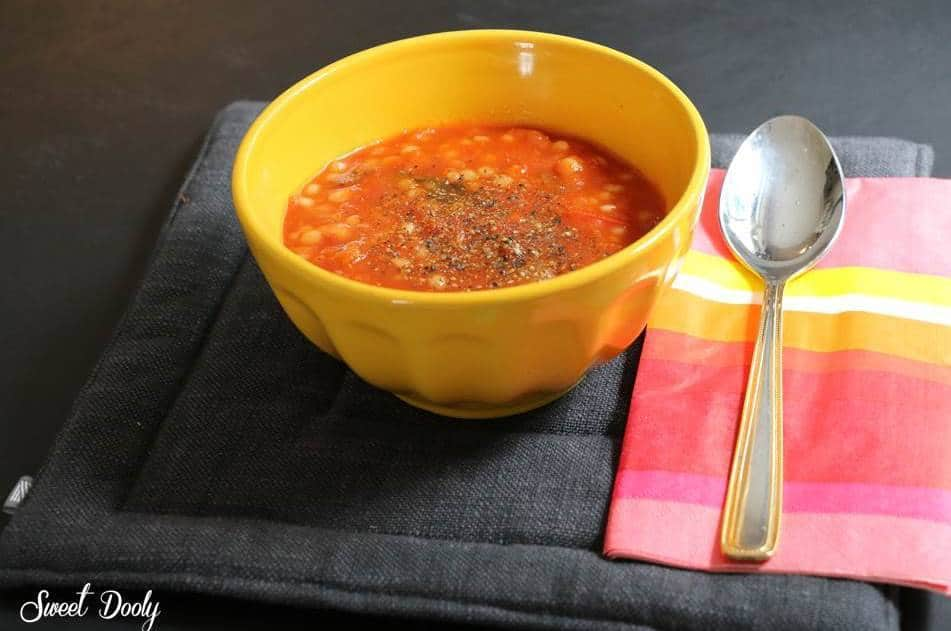מתכון למרק עגבניות עשיר עם פתיתים