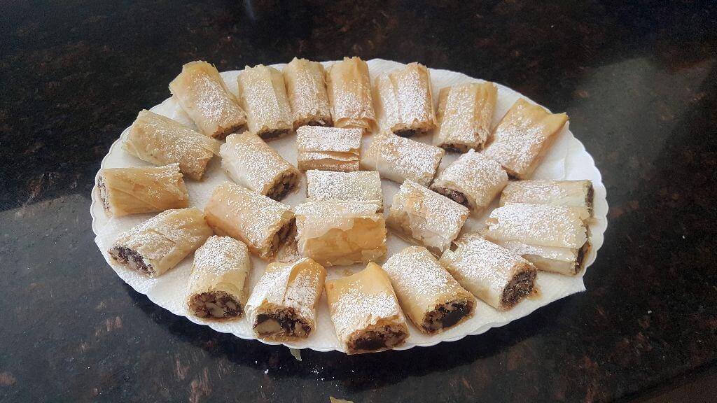 שבלולי פילו עם אגוזים סוכר וקינמון