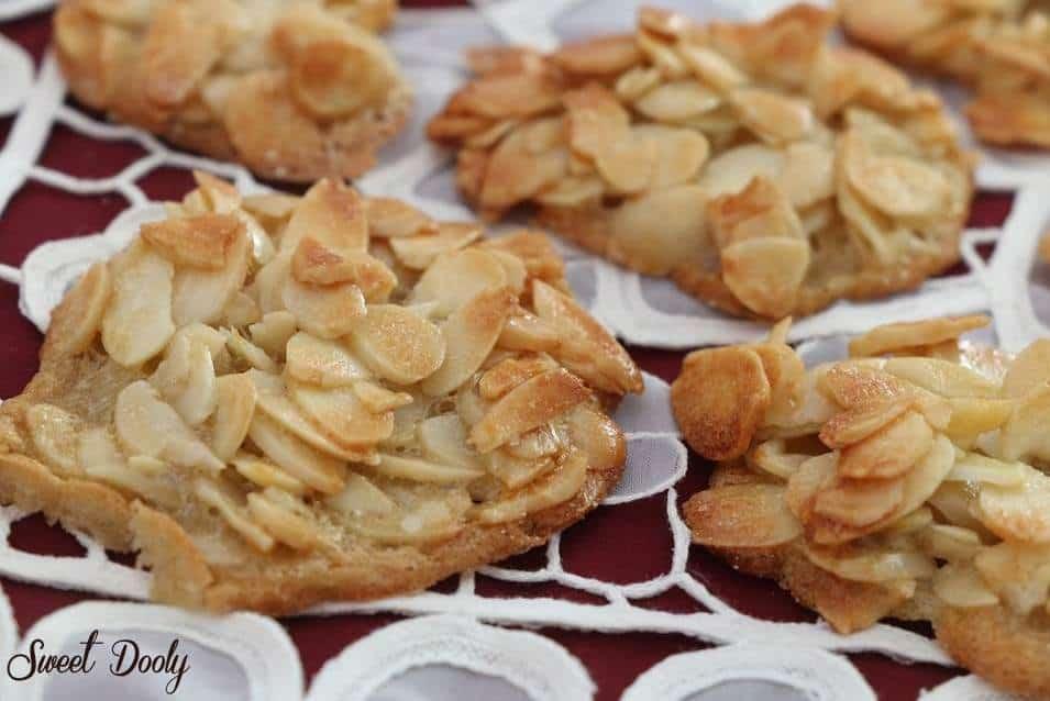 עוגיות שקדים משלושה מצרכים בלבד