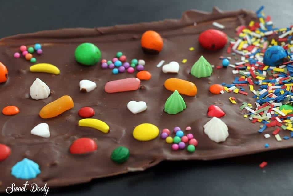 איך מכינים שוקולד בבית עם ממתקים
