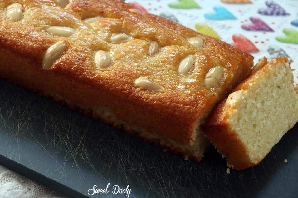 עוגת שקדים בחושה