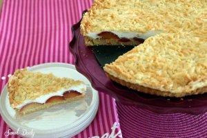 עוגת שזיפים עם מרנג ושטרויזל