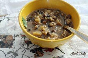 מרק פטריות עשיר עם גריסים ותפוחי אדמה