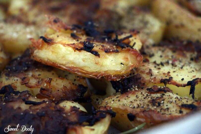 תפוחי אדמה מעוכים אפויים בתנור