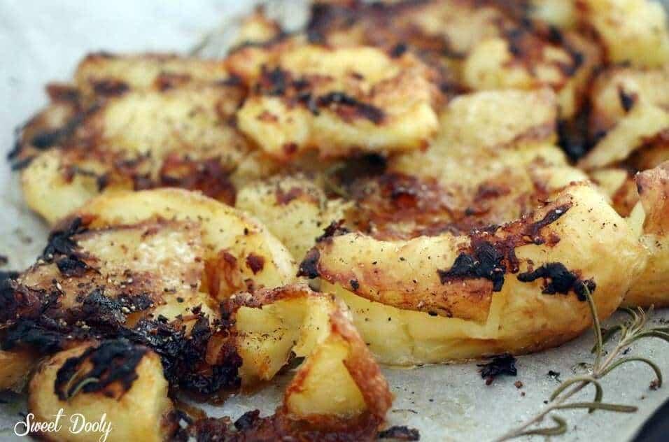 תפוחי אדמה מעוכים אפוים בתנור