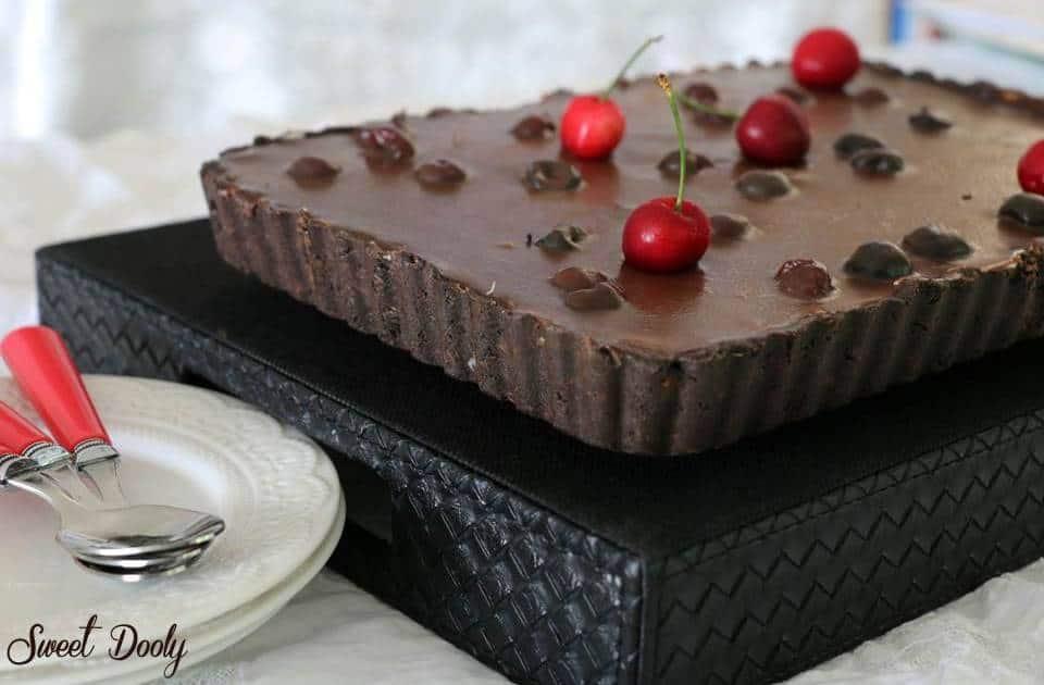 פאי גבינה שוקולד ודובדבנים