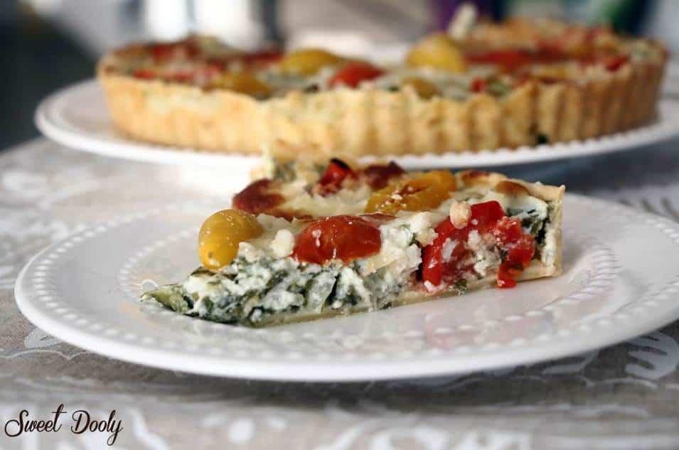 קיש גבינות עם מנגולד ועגבניות