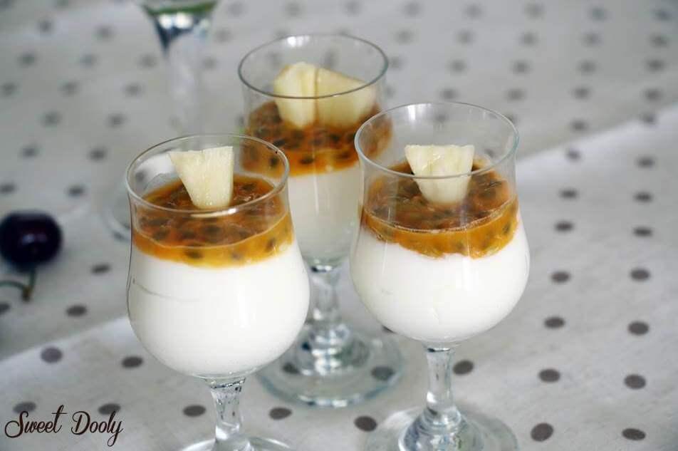 קינוחי כוסות גבינה עם פסיפלורה ואננס