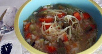 מרק אטריות טעים עם אטריות