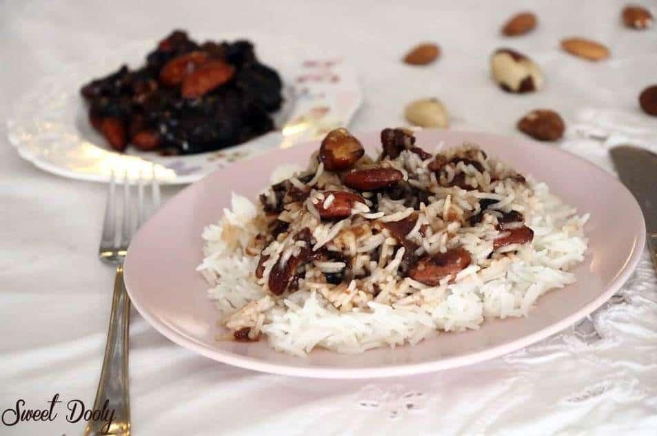 אורז עם פירות יבשים מקורמלים