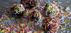כדורי שוקולד כשרים לפסח פרווה טעימים וקלים להכנה