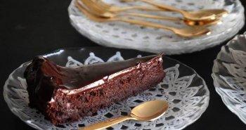 עוגת שוקולד לפסח בלי טיפת קמח מארבעה מצרכים בלבד