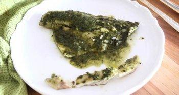 דגים מבושלים בעשבי תיבול שמכינים במהירות