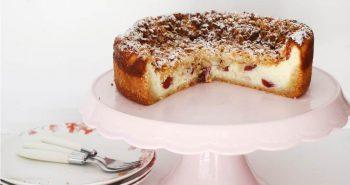 עוגת גבינה אפויה עם קראמבל שקדים