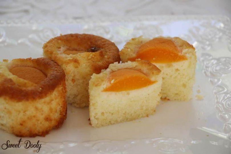 עוגת מישמשים קלה להכנה בתבניות קאפקקייקס