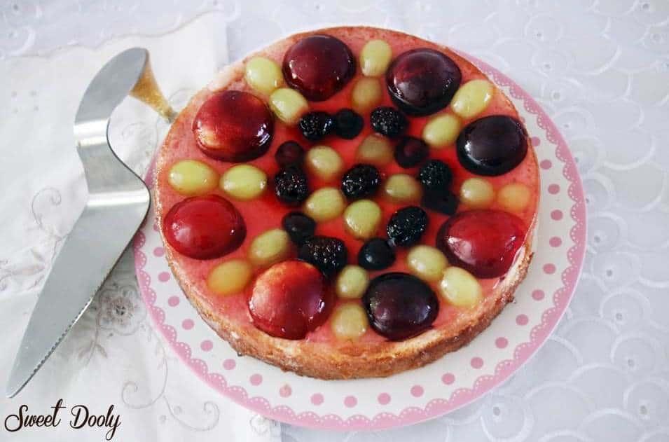 עוגת טורט עם ג'לי ופירות פרווה