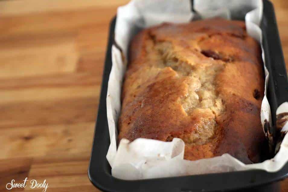 עוגת בננות בחושה עם תמרים עוגת בננות מנצחת