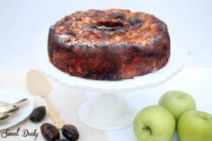 עוגת דבש תפוחים ותמרים פרווה עוגה קלה לראש השנה