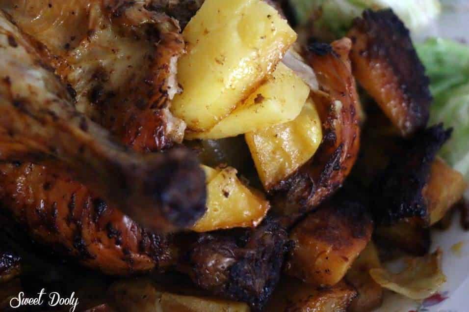 עוף ממולא בתפוחי אדמה בתנור הכל בתבנית אחת