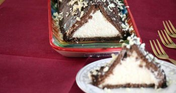 עוגת פירמידה מביסקוויטים עוגת משולש נוסטלגית