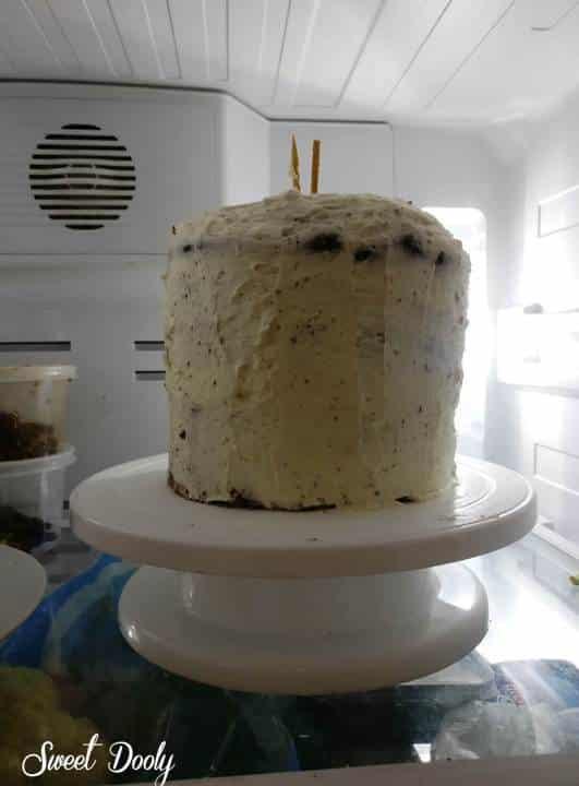 עוגת יומולדת מטפטפת ונוטפת עם גלידה הפוכה