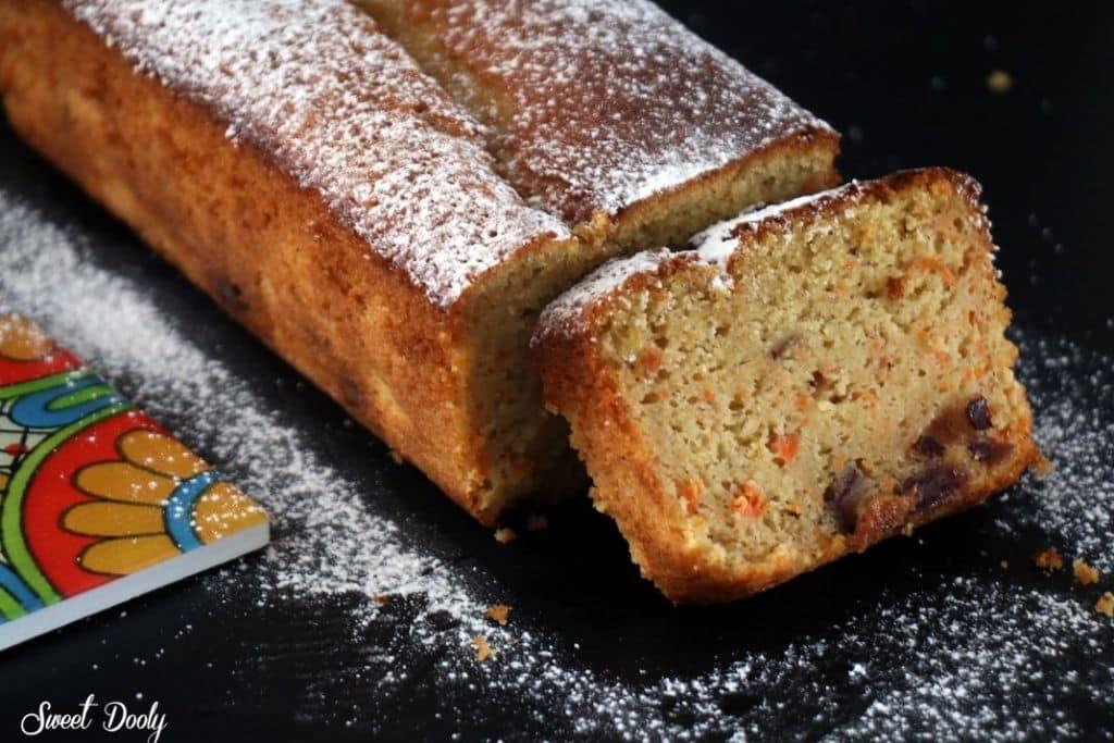 עוגת גזר בחושה עם תמרים