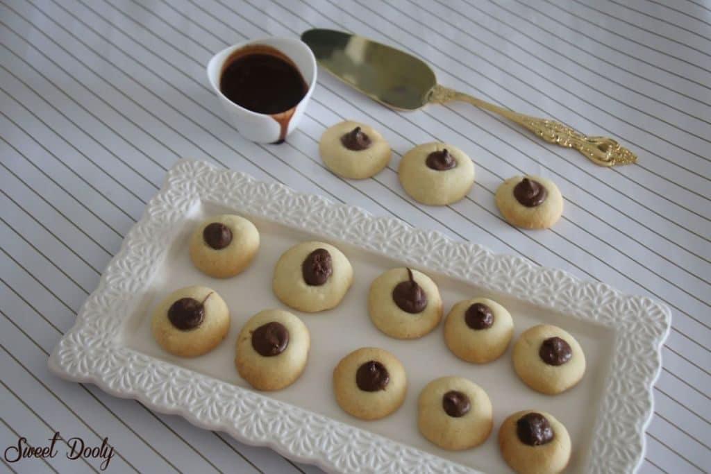 עוגיות שקדים ממולאות שוקולד
