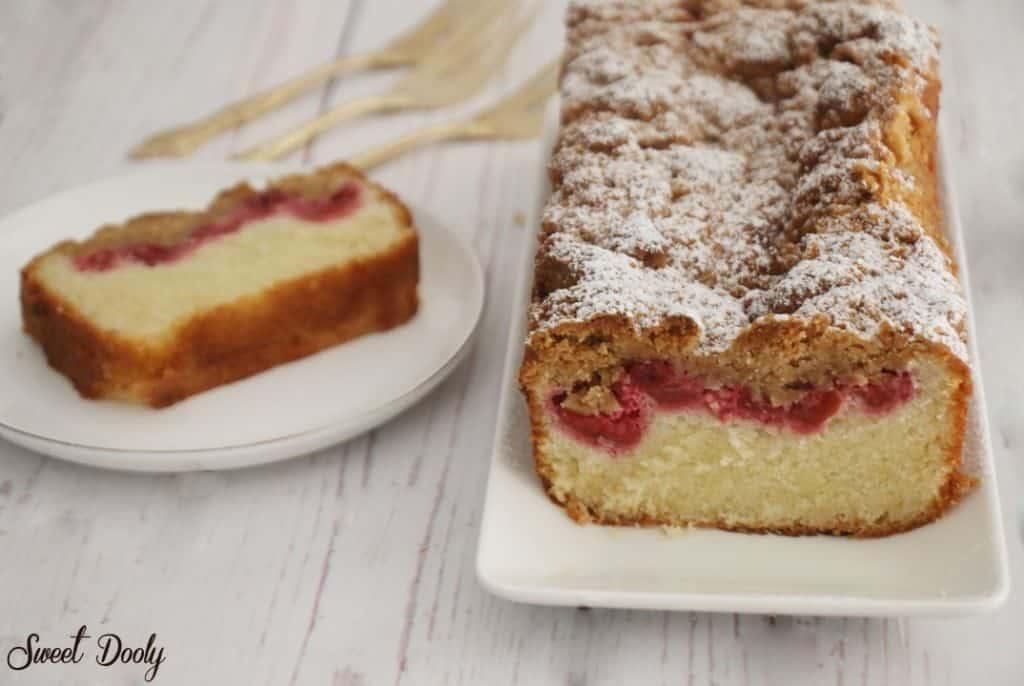 עוגת פירות בחושה עם שטרויזל