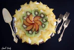 עוגת טורט קצפת ופירות
