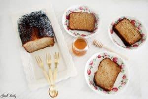 עוגת דבש בחושה עסיסית ורכה