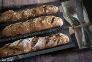 לחם מקמח כוסמין עם זיתים