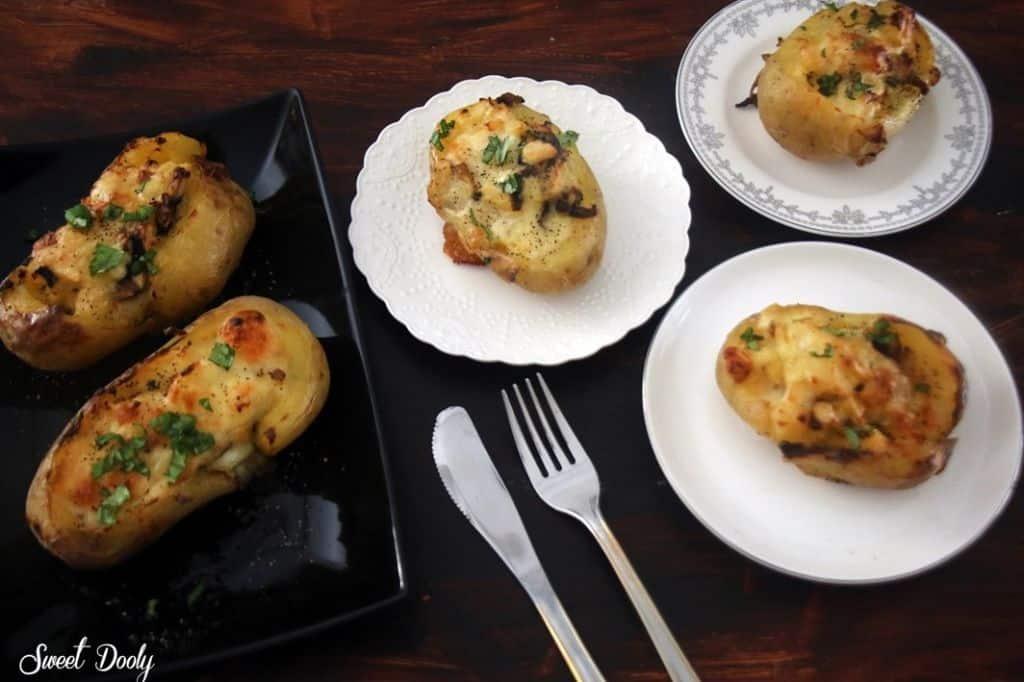 תפוחי אדמה ממולאים בפטריות בתנור