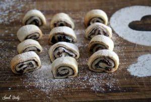 עוגיות מגולגלות תמרים פרווה טבעוניות