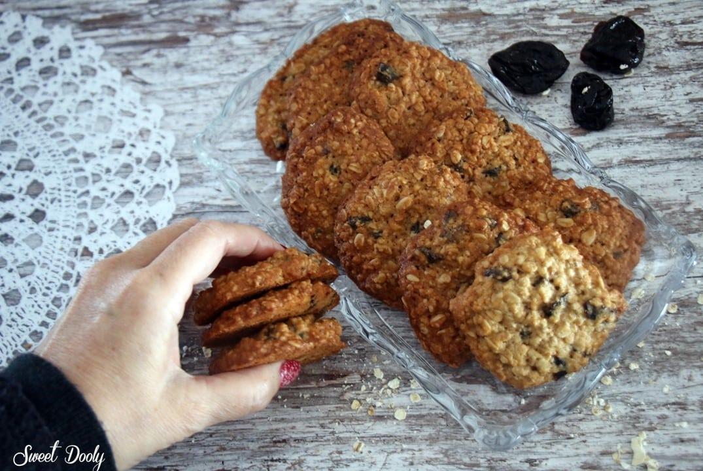 עוגיות שיבולת שועל ושזיפים פרווה