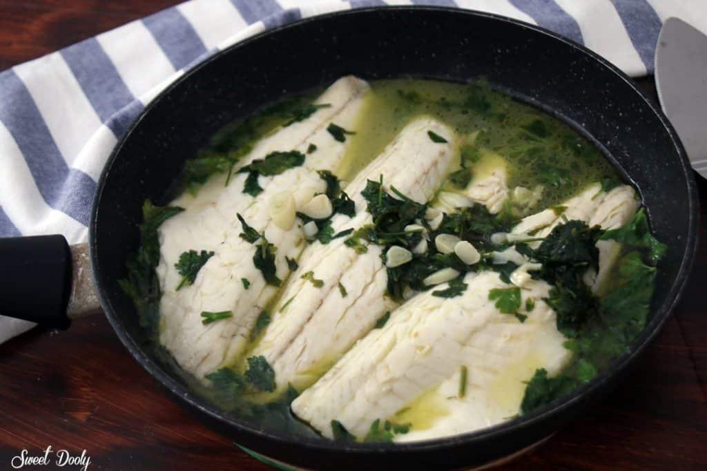 דג לברק במחבת בעשר דקות