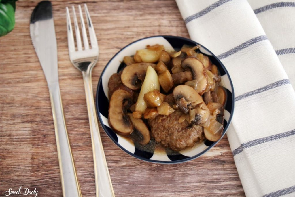 קציצות בשר עם חצילים ופטריות