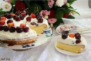 עוגת וניל עם דובדבנים קלה להכנה