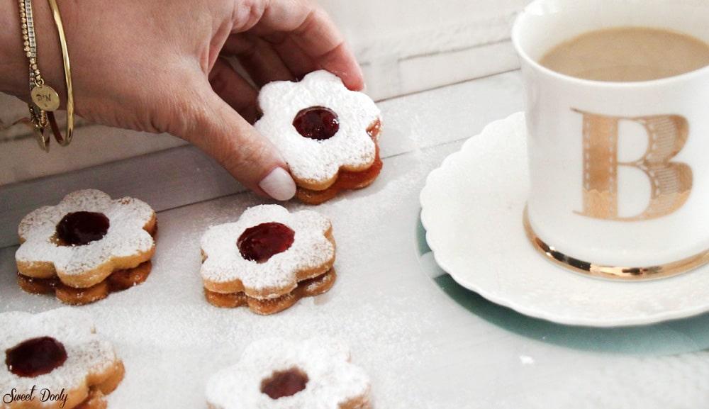 עוגיות סנדויץ ריבה מושלמות,עוגיות נוסטלגיות נהדרות