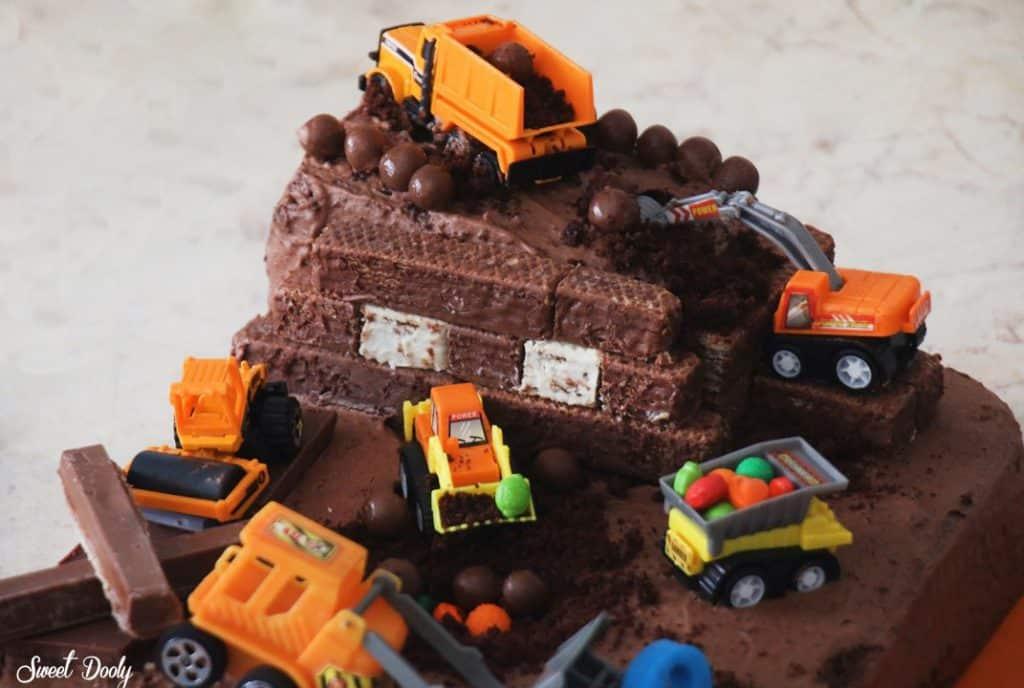 עוגת אתר בנייה ליום הולדת