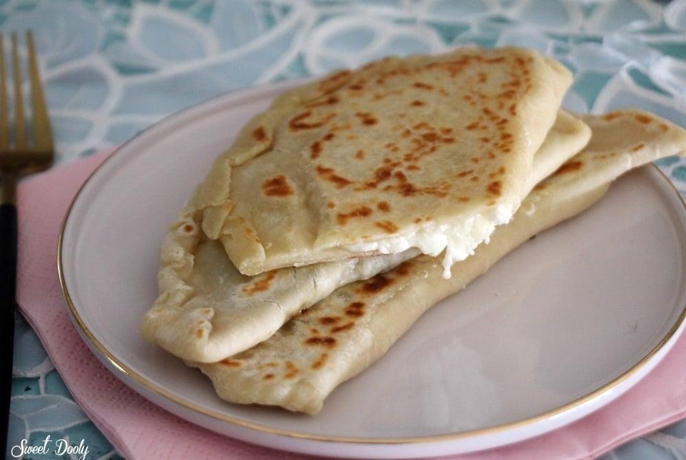 גוזלמה מאפה תורכי עם גבינות