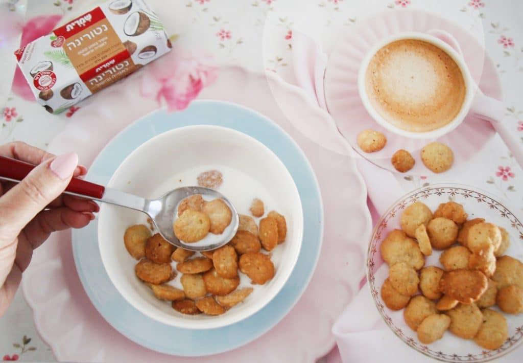 עוגיות מיניאטוריות טחינה ושיבולת שועל פרווה