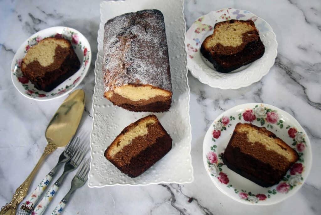 עוגה בחושה בשלושה צבעים