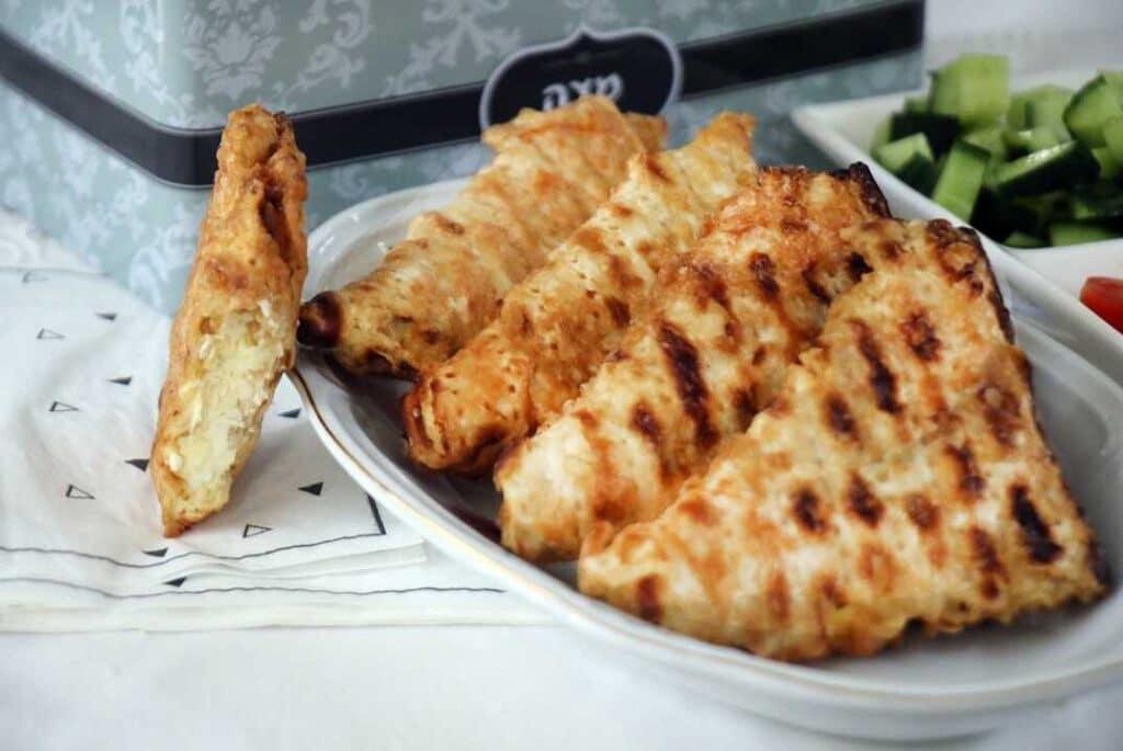 מצות מטוגנות עם גבינה